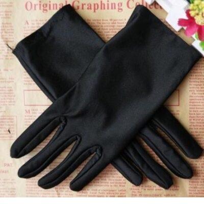 Перчатки атласные короткие черные